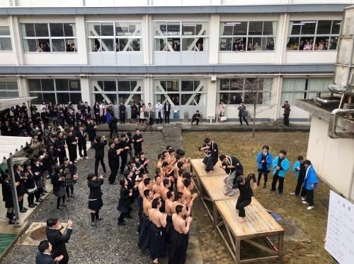 『県立高校卒業式』_f0259324_10260793.jpg