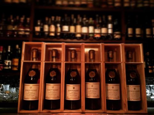 Cognac Raymond Ragnaud Très Vieille Grande Champagne (Millésimé 1952)と今年の渡仏期間について_d0011635_16233965.jpg