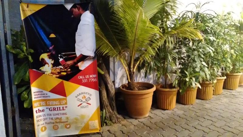 マーレにあるホテル Champa Central Hotelのディナーに行ってきました_a0349326_03210745.jpg
