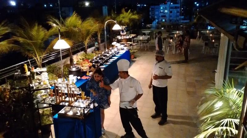 マーレにあるホテル Champa Central Hotelのディナーに行ってきました_a0349326_03213755.jpg