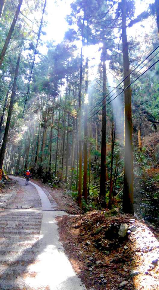 Nepal 小話 & モーニングハイク企画! at Dolpo.BC_e0111396_01113156.jpg