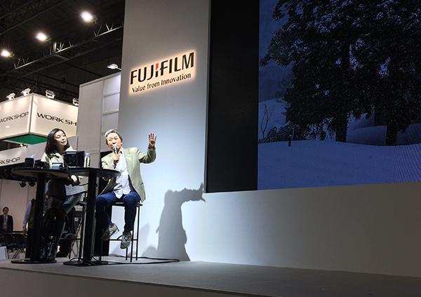 今日はCP+最終日、富士フイルムのステージで行われた、織作峰子さんのトークショーにゲストとしてご一緒させて頂きました。_b0194208_21563301.jpg
