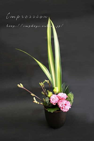 先々週の定期装花から トルコギキョウ:セレブプリティピンク_a0085317_20191821.jpg