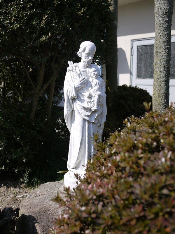 カトリック三篠教会_b0190540_00145087.jpg