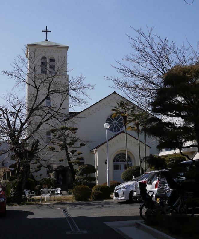 カトリック三篠教会_b0190540_00150189.jpg