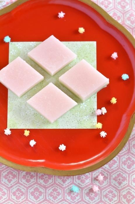 ひな祭りのすり琥珀の菱餅  Homemade Japanese Sweets of the Doll\'s Festival 2018_d0025294_17513815.jpg
