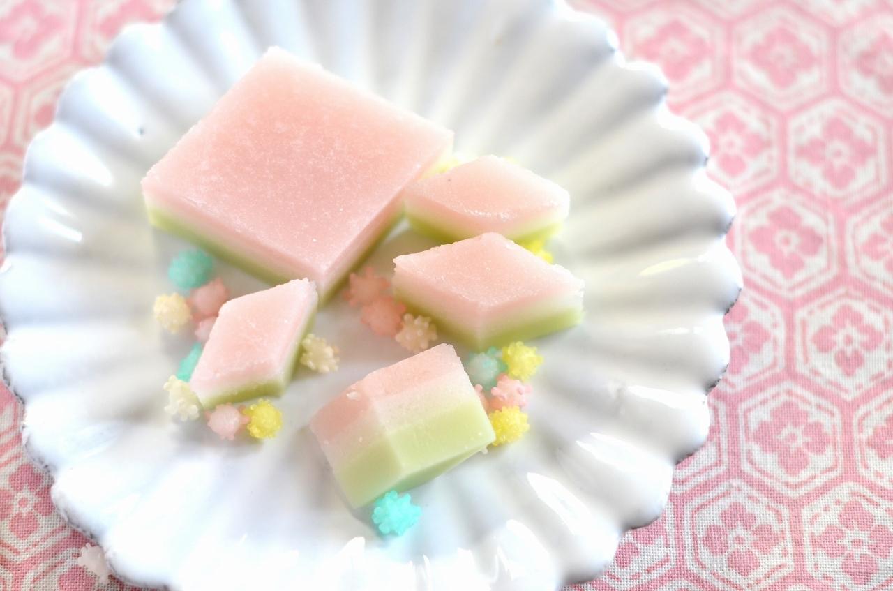ひな祭りのすり琥珀の菱餅  Homemade Japanese Sweets of the Doll\'s Festival 2018_d0025294_17515088.jpg