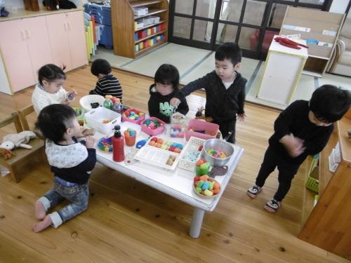 「花の子クラスの遊び」_a0323443_11562828.jpg