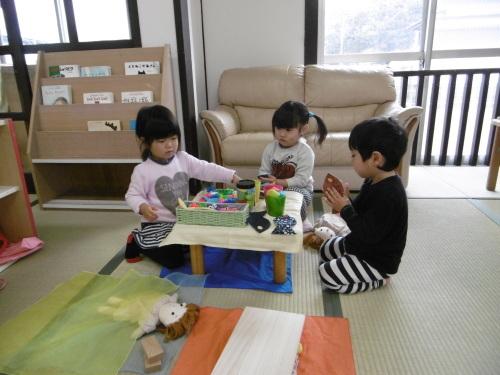 「花の子クラスの遊び」_a0323443_11562994.jpg