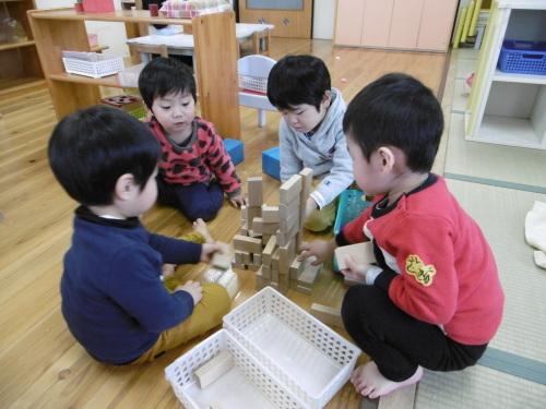 「花の子クラスの遊び」_a0323443_11563048.jpg
