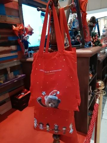 ザ・ランドマークのクリスマスデコレーション@おまけ_b0248150_16194573.jpg