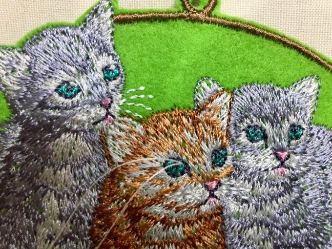 ウサギとネコの刺繍_e0385587_00010409.jpeg