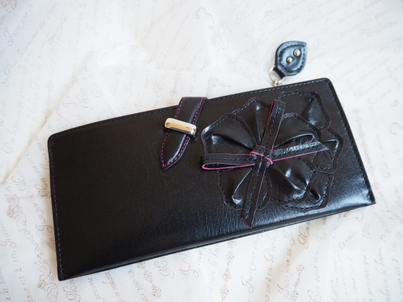 カッコ良くって色っぽい、美しいお財布が出来上りました♡_f0340942_21445479.jpg