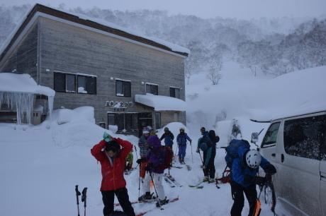 2018年1月21日ニセコ五色温泉に泊まり、裏のメクンナイ岳を滑る_c0242406_16404817.jpg