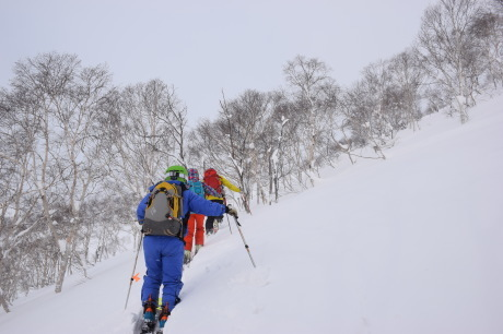 2018年1月21日ニセコ五色温泉に泊まり、裏のメクンナイ岳を滑る_c0242406_17043020.jpg