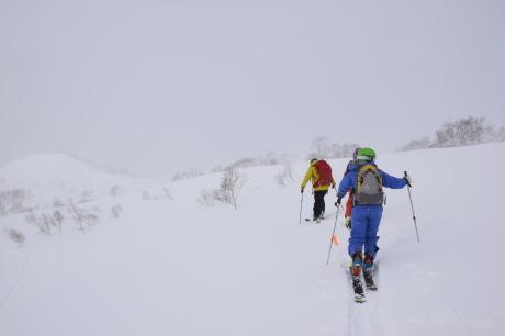 2018年1月21日ニセコ五色温泉に泊まり、裏のメクンナイ岳を滑る_c0242406_17050865.jpg