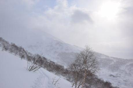2018年1月21日ニセコ五色温泉に泊まり、裏のメクンナイ岳を滑る_c0242406_17053327.jpg