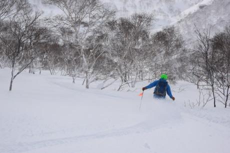 2018年1月21日ニセコ五色温泉に泊まり、裏のメクンナイ岳を滑る_c0242406_17290344.jpg