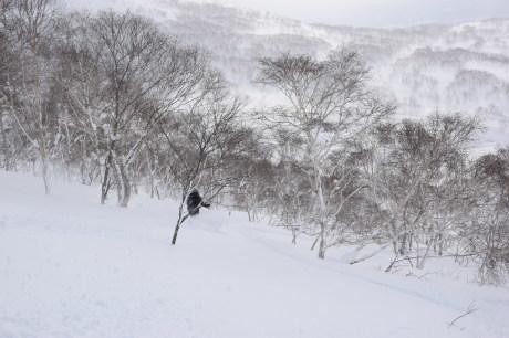 2018年1月21日ニセコ五色温泉に泊まり、裏のメクンナイ岳を滑る_c0242406_17313925.jpg