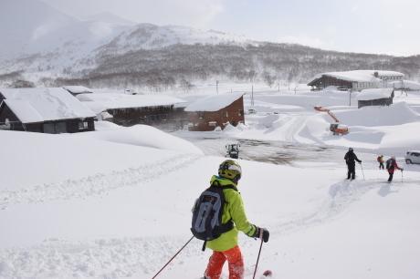 2018年1月21日ニセコ五色温泉に泊まり、裏のメクンナイ岳を滑る_c0242406_17340493.jpg