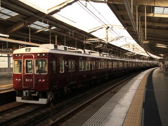 阪急6011F 川西能勢口駅にて!_d0202264_4532711.jpg