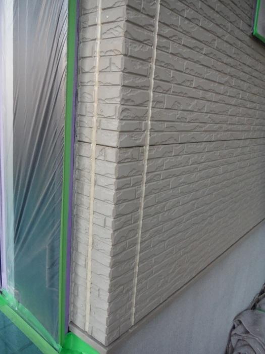 屋根・外壁塗り替え ~コーキング打ち直しと養生_d0165368_07353786.jpg