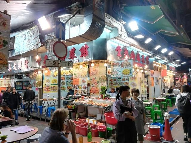 上海街からバス停へ_b0248150_14381525.jpg