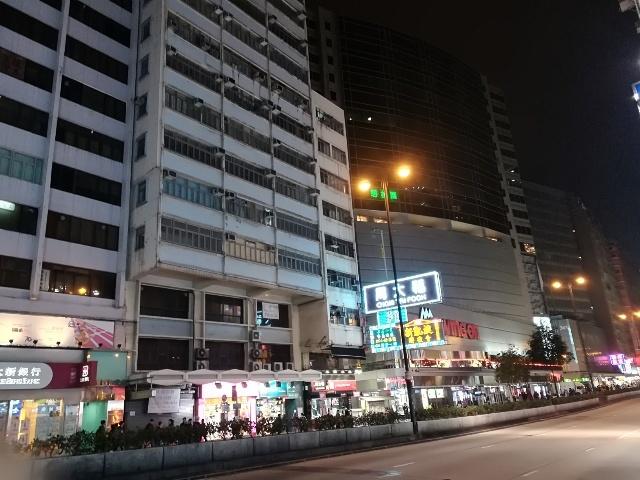 上海街からバス停へ_b0248150_14395130.jpg
