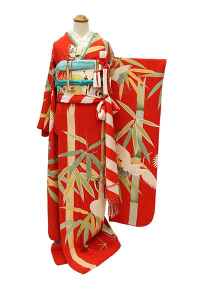 真っ赤に映える竹鶴の図引き振袖_b0098077_22483881.jpg