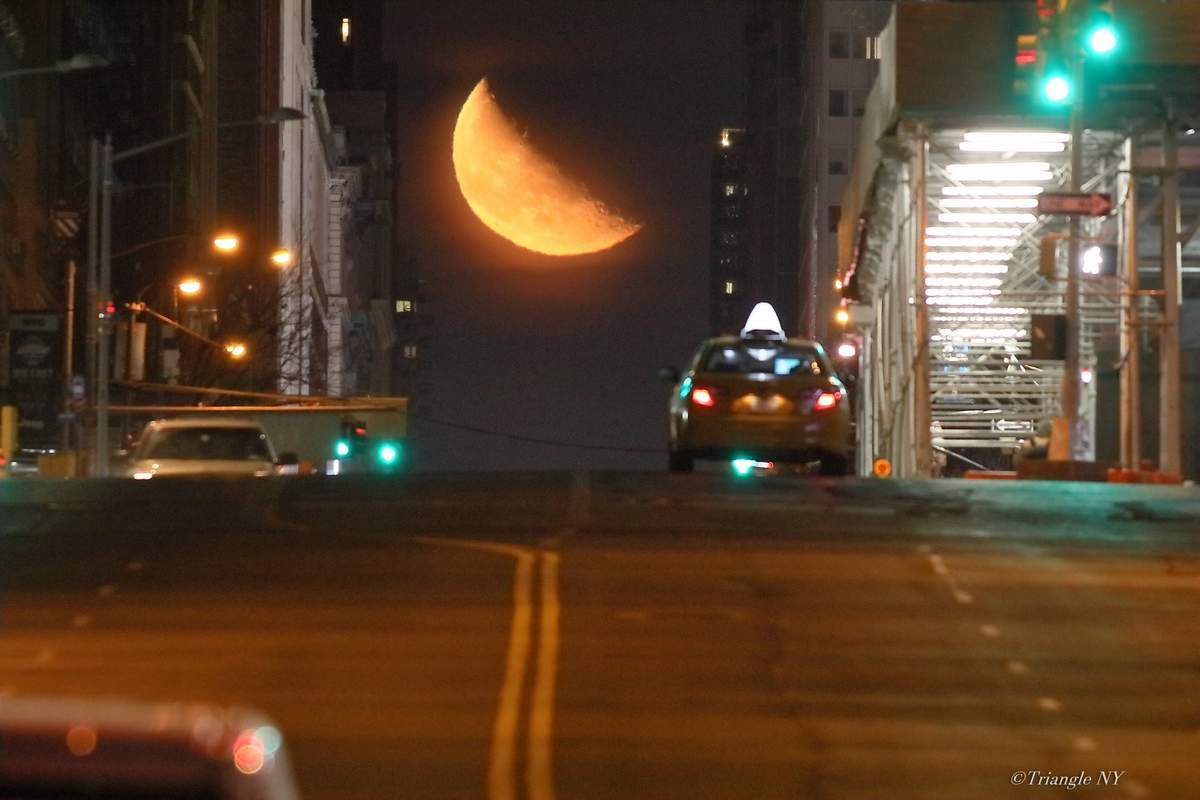 Manhattan Moon Henge Ⅰ 2018 _a0274805_09261023.jpg