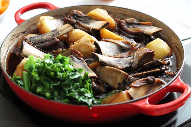 スペアリブのバルサミコ酢&白ワイン煮_d0377645_20554854.jpg