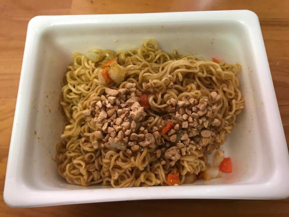 ペヤング焼きそばもカレーも納豆も好きだけど(^_^;)_f0141246_14304911.jpg