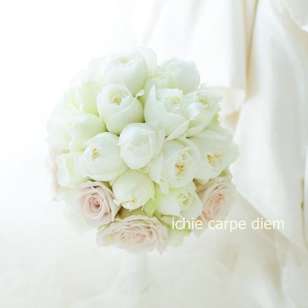 ラウンドブーケ コンラッド東京さまへ はじめての結婚式_a0042928_21431111.jpg