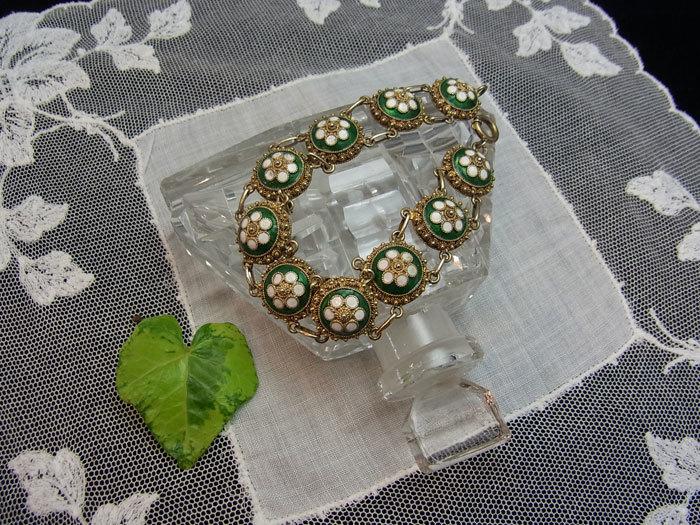 春色・お花のブレスレット♪_d0127182_16500764.jpg