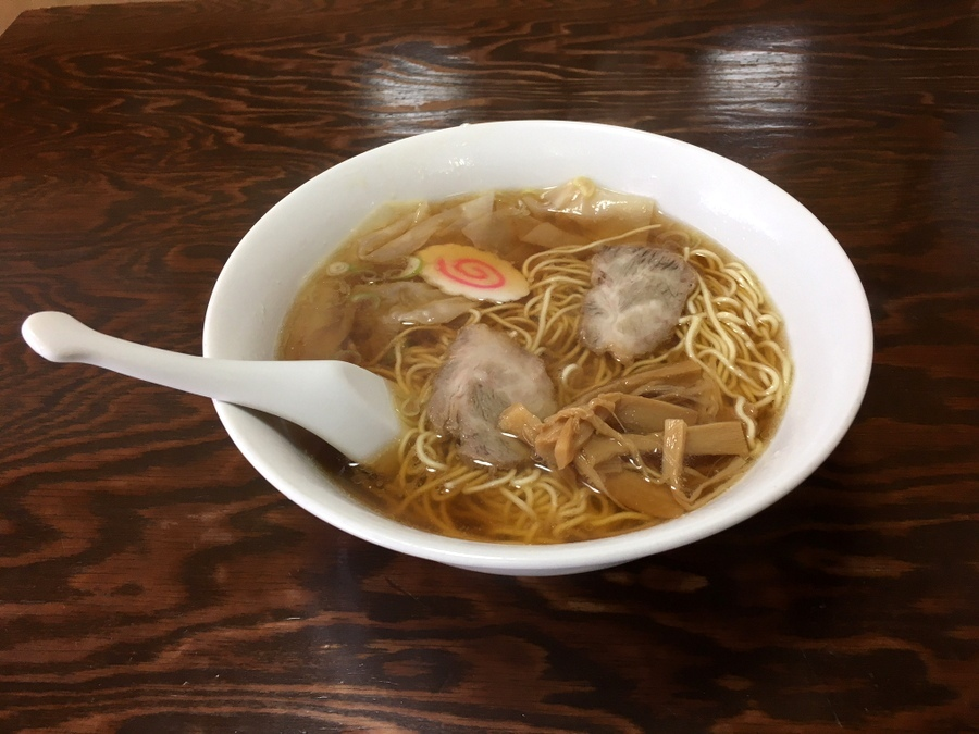 最初の食事は寿司ならぬ雲呑麺、そして銭湯で一番風呂_c0180686_18073857.jpg