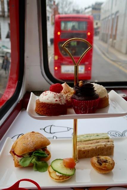 ロンドン2階建バスのアフタヌーンティー_f0380234_02104744.jpg