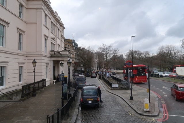 ロンドン2階建バスのアフタヌーンティー_f0380234_02125630.jpg