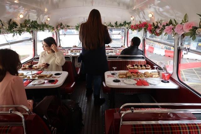 ロンドン2階建バスのアフタヌーンティー_f0380234_02130881.jpg