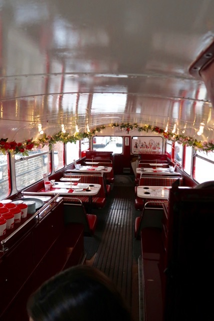 ロンドン2階建バスのアフタヌーンティー_f0380234_02141836.jpg