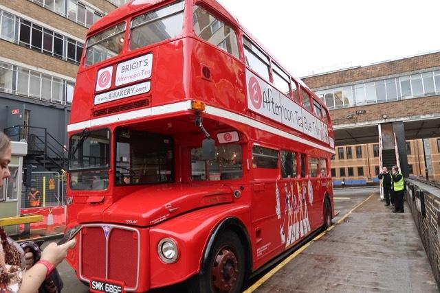 ロンドン2階建バスのアフタヌーンティー_f0380234_02142670.jpg