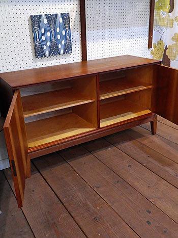 sideboard_c0139773_23105627.jpg