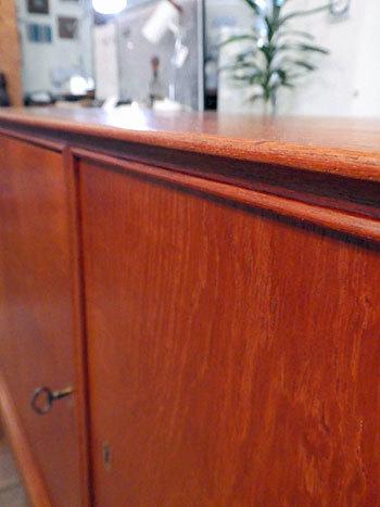 sideboard_c0139773_23115946.jpg