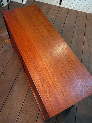 sideboard_c0139773_23123495.jpg