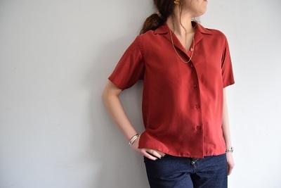 上品なシャツ ・ ・ ・_b0110586_17335211.jpg