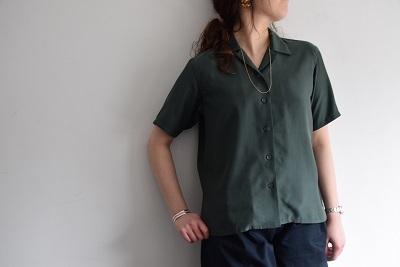 上品なシャツ ・ ・ ・_b0110586_17343703.jpg