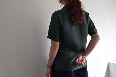 上品なシャツ ・ ・ ・_b0110586_17365676.jpg