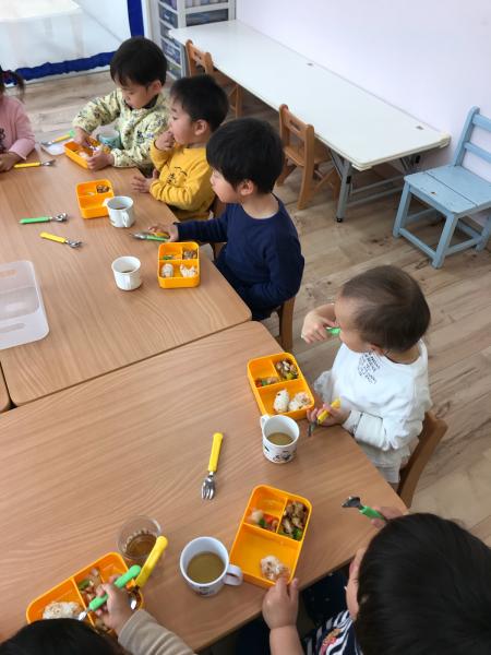リトルピエノ保育園〜給食〜_a0318871_18140882.jpg