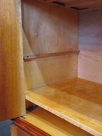 sideboard_c0139773_00164342.jpg