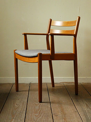 arm chair (Poul M.Volther)①_c0139773_17543736.jpg