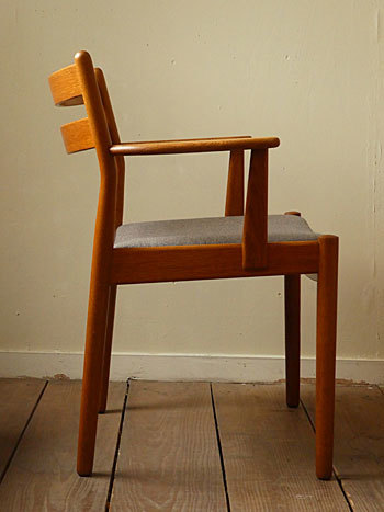 arm chair (Poul M.Volther)①_c0139773_17544577.jpg